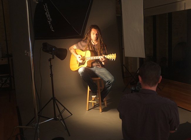 Guitar player portrait - behind the scenes
