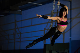 female-aerialist-portrait