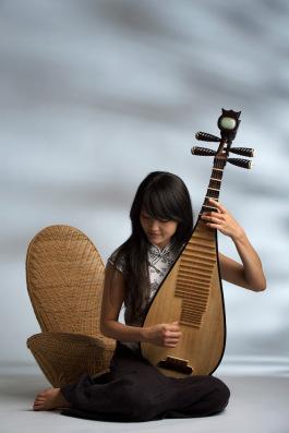 female-pipa-musician-portrait